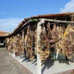 Pesquisadores encontram bactérias resistentes a antibióticos em carne de sol na Bahia