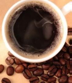 featured image Tomar água ou café em copo plástico é seguro?
