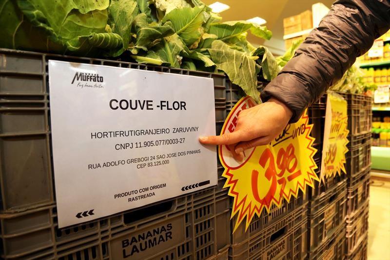 featured image Vigilância Sanitária do Paraná define regras de identificação de frutas e verduras