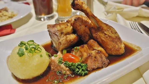 featured image Pesquisa no Paraná mostra ocorrência de Salmonella em 31,5% dos cortes de frango do mercado